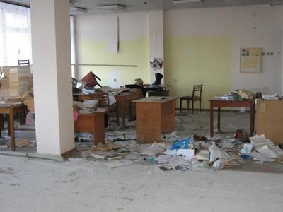 """Ищут """"сокровища"""": опубликовано видео разграбленных учреждений Луганска. ВИДЕО"""