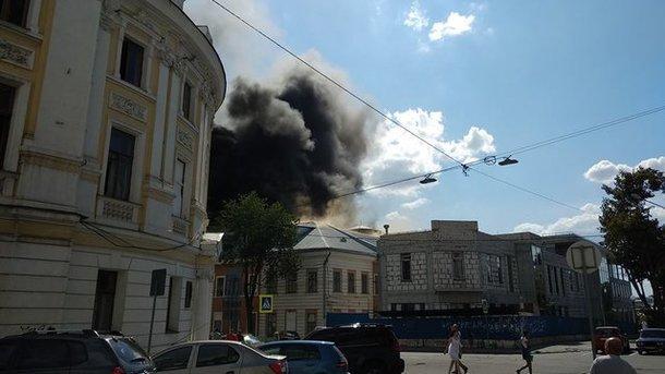 В Харькове спасатели 16 часов боролись с пожаром в академии