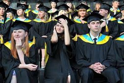 Молодежь, живущая на неподконтрольной территории, может получить украинское образование. Всего лишь надо выбрать один из вариантов... ВИДЕО