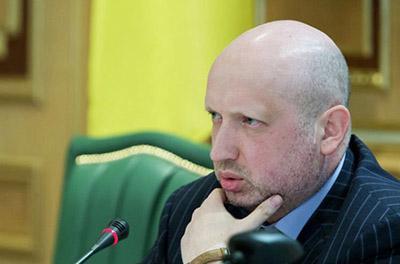 Турчинов предлагает перебросить военную силу к Азовскому морю