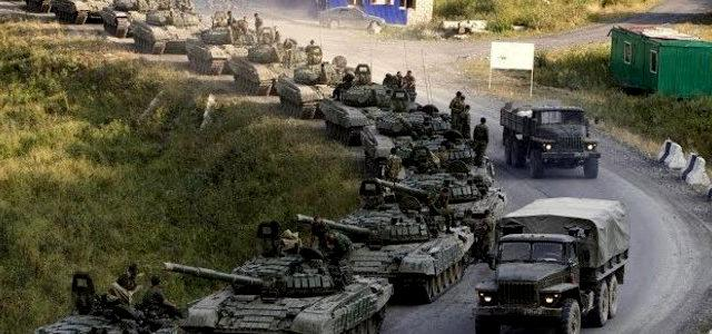 Сотни тонн боеприпасов и бронетехника: Россия ночами заваливает Украину оружием