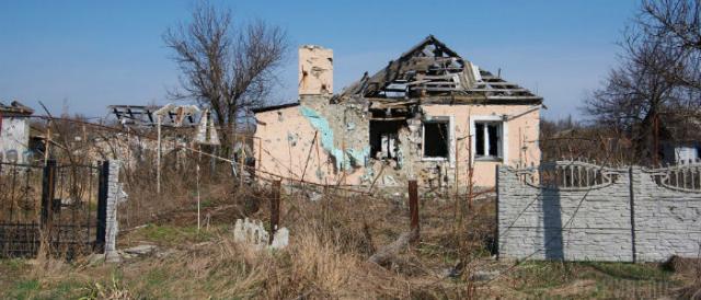 Нет документов на дачу: В Луганской области переселенцам не выплачивают пособия