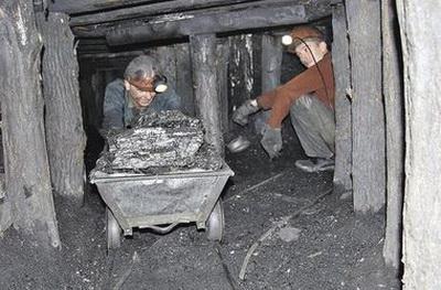 После нас хоть потоп…. На оккупированном Донбассе вода затопила копанку, есть жертвы