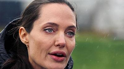 Анджелину Джоли экстренно госпитализировали в психиатрическую клинику