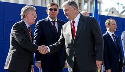 Порошенко выразил благодарность США за санкции против России