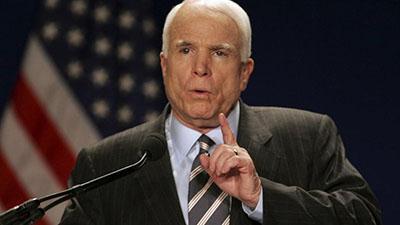 В США из-за тяжелой болезни скончался сенатор Джон Маккейн