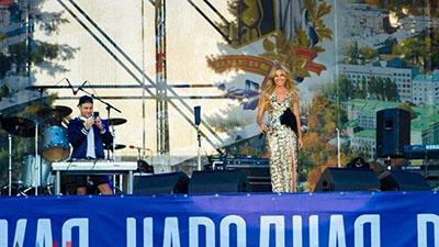 Ярмарки, российские «звезды», бесплатные шаржи для пенсионеров: Донецк отметил День города (ФОТО)