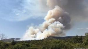 В оккупированном Крыму бушует мощный пожар: крымчанам тяжело дышать, оккупанты подняли вертолеты