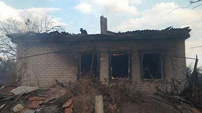 Оккупированное Зайцево попало под обстрел: сгорели 5 домов