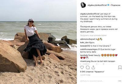 """""""Девушка Бонда"""" искупалась в Азовском море"""