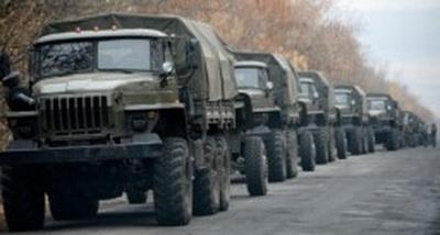 С оккупированных территорий Донбасса в РФ выезжают колонны грузовиков