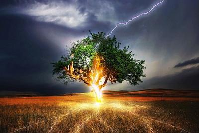 Берегите себя, надвигается что-то страшное! Впереди - сильная непогода: как уберечься