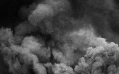 В Донецке боевики «ДНР» что-то сжигают. Люди жалуются на удушье и запах
