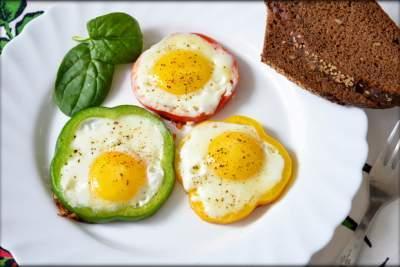 Диетологи объяснили, почему обязательно нужно завтракать