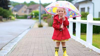 Внимание, родители! Забрать ребенка у родителей могут за одежду не по погоде