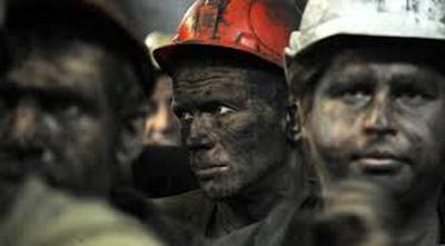 Шахтеры Донбасса отказываются спускаться в шахту из-за долгов по зарплате