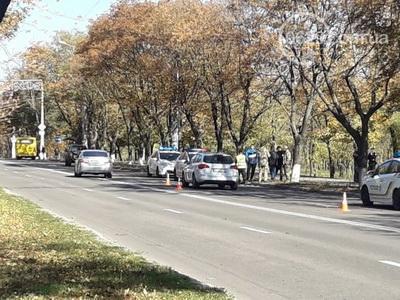 Мариуполец врезался в авто с военными