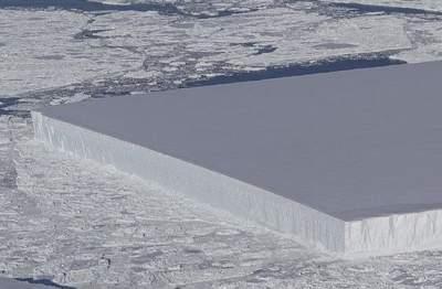 Идеально прямоугольный айсберг обнаружили специалисты NASA