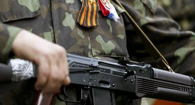 Боевики «ЛНР» выгоняют мирных жителей из их личных домов, а сами там обустраиваются