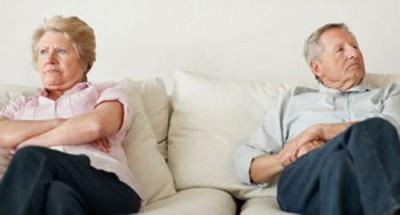 Грустная тенденция! В Мариуполе пожилые пары разводятся из-за субсидий