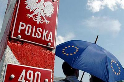 Афера столетия: миллионы украинцев придумали, как навсегда остаться в Польше