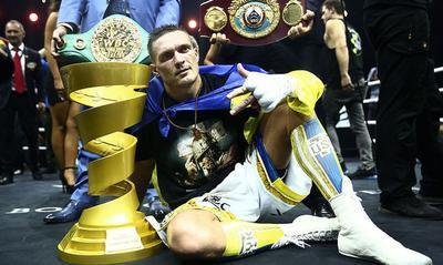 Усик вошел в тройку сильнейших боксеров мира