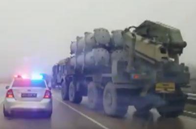 В сторону оккупированной Керчи движутся ракетные комплексы «Бал». ВИДЕО