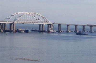Экономический террор в Азове: РФ заблокировала 2 порта Украины, у Керченского пролива ждут 35 судов