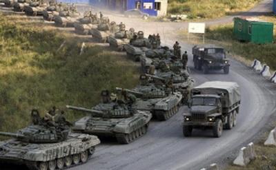 """""""ДНР"""" готовится к мощной атаке под Горловкой: колонны бронетехники перебрасывают ночью. ВИДЕО"""