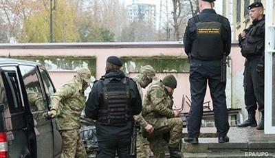 Чийгоз: Украинских моряков вывозят из СИЗО Симферополя