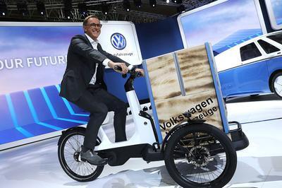 Volkswagen показал в Лос-Анджелесе электрическую велорикшу