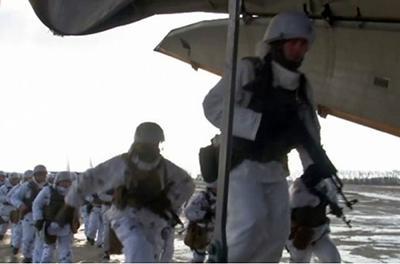 К границе стягивают десантно-штурмовые подразделения