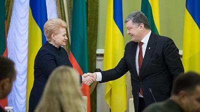 Петр Порошенко сегодня встречается с президентом Литвы