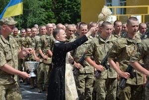 """Идеологи """"Новороссии"""" сели в лужу: названы украинские регионы, """"бьющие рекорды"""" по числу контрактников ВСУ"""