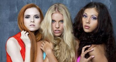 Как цвет волос влияет на привлекательность женщины