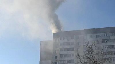 В Крыму на крыше многоэтажного дома прогремел взрыв