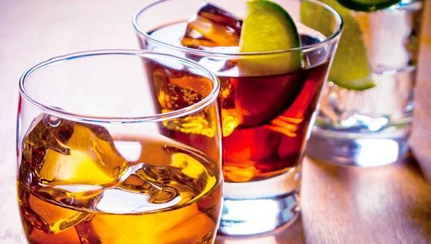Врачи сказали, какие алкогольные напитки самые вредные