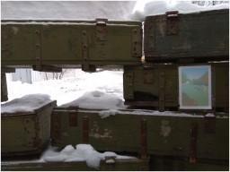 В Горловке боевики «ДНР» поле ухода из дома престарелых оставили заграждения из ящиков