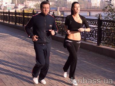 Яна Дубовая и Тимофей Нагорный по утрам занимаются... зарядкой (ФОТО)