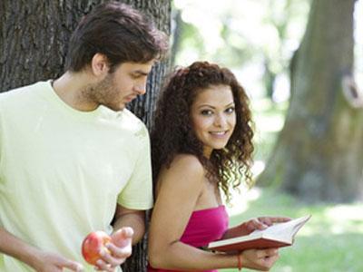 как познакомиться с женщиной в парке