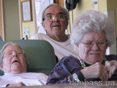Секс со стариками в доме пристарелых
