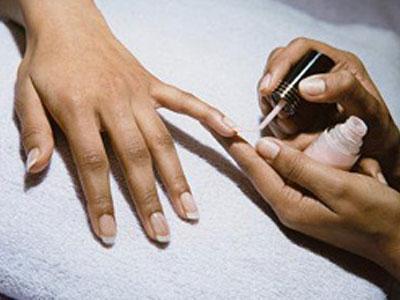 Что делать, если слоятся ногти?