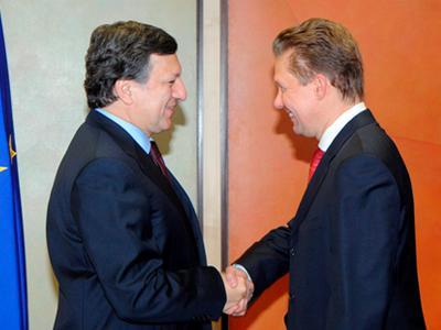 Сегодня на переговорах в Брюсселе председатель Еврокомиссии Жозе Мануэль Баррозу и глава «Газпрома» Алексей Миллер согревали друг друга улыбками. Будем надеяться, вскоре потеплеет и позиция России в отношении Украины.