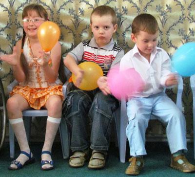 Праздник в снежнянском центре реабилитации детей-инвалидов