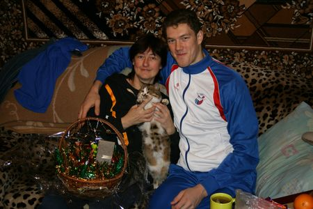 Дима редко бывает в Макеевке. В последний раз  заглянул к родителям после Нового года. Родным во всех смыслах для него стал Белгород.